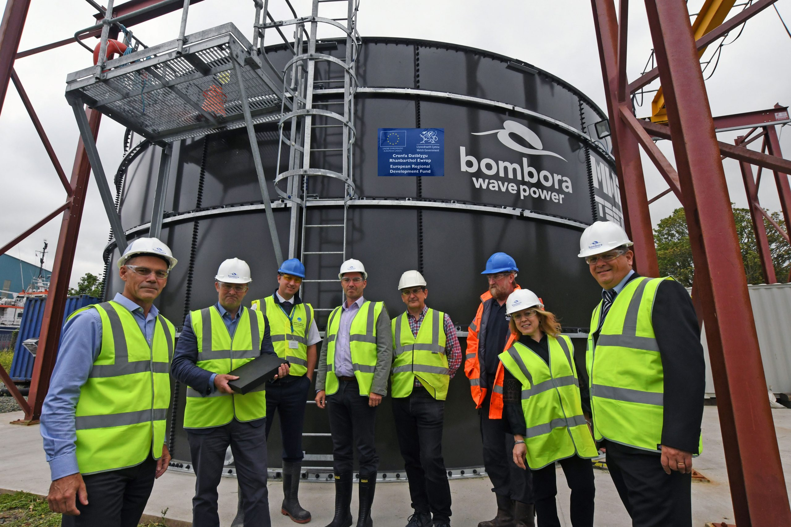 Simon Hart MP visits Bombora Test Tank